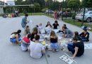 Újságpapír tornyok épültek az Európa Kollégiumban
